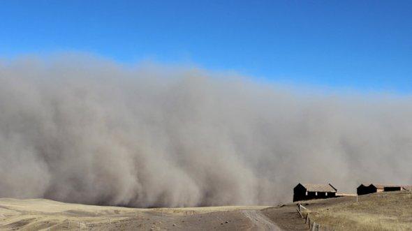 163189388_sandstorm_wide-a81225e4f37ca149e4df1457ea27737142b0d51c-s700-c85