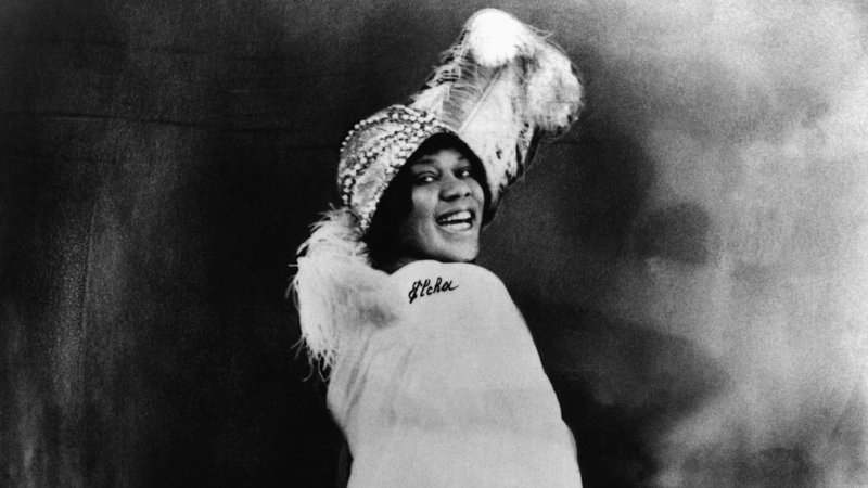 How Bessie Smith Ushered In The Jazz Age The Rōbert