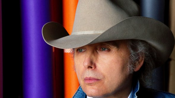 dwight-yoakam-approved-photo_wide-99eecaddc0dc2ca25149a65be98fb4734f558b9a-s900-c85