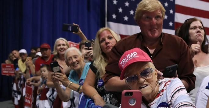 Trump-Fans.jpg