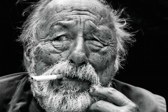 Jim-Harrison-smoking.jpg