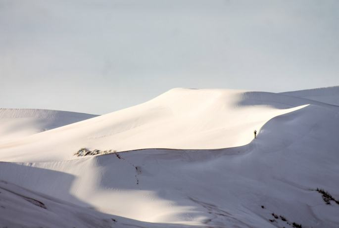 gr-weather-sahara-desert-snow002a_custom-2c3fe16850f8d6dfa61cf169b081fe47442bbed7-s1300-c85-min.jpg