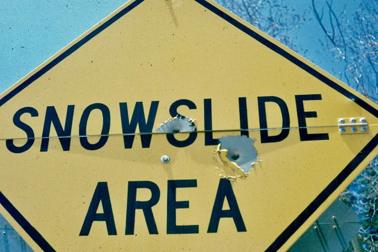 avalanche signs.jpeg